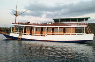 KM Aditya Komodo Boat
