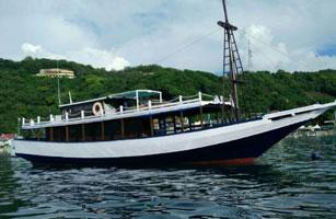 Bintang Timur Boat Komodo