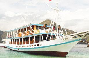 Blue Marcopolo Boat Komodo