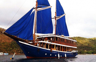 MV Cajoma V Phinisi