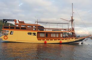 Florence II Boat Komodo