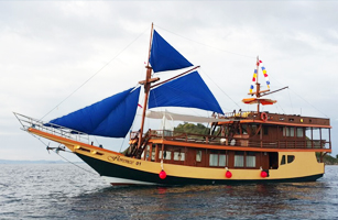 Florence Komodo Boat