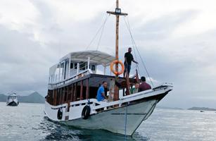 KM Flores Dive Boat