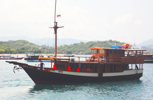 KLM Ayla Komodo Cruise Boat