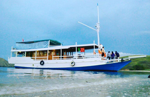 KLM Rejeki Indah Boat