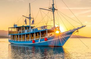 KLM Wae Rebo Boat