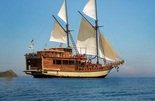 Plataran Ambasi Komodo vessel