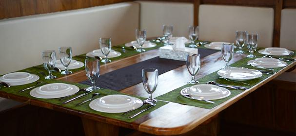 AdiShree Phinisi Restaurant