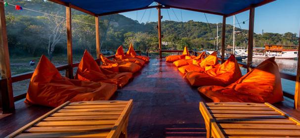 Alcira Uper Deck Boat