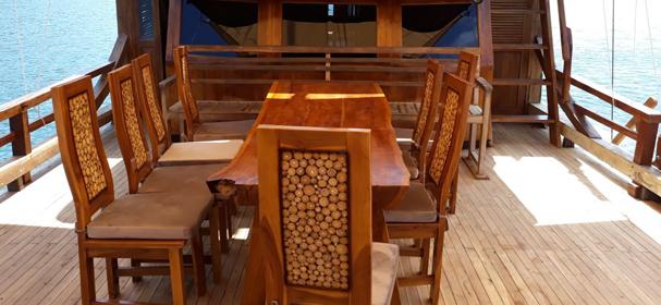 KM Amalia Bahari Deck