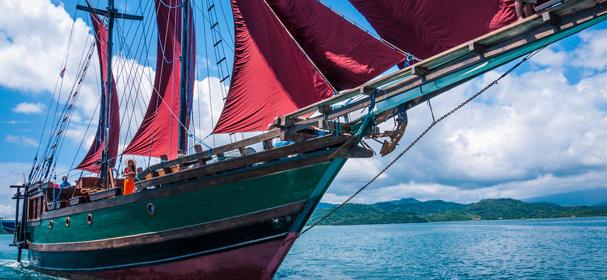 Ananda Cruises Phinisi
