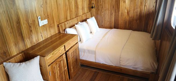 KLM Andamari Komodo Boat Trip