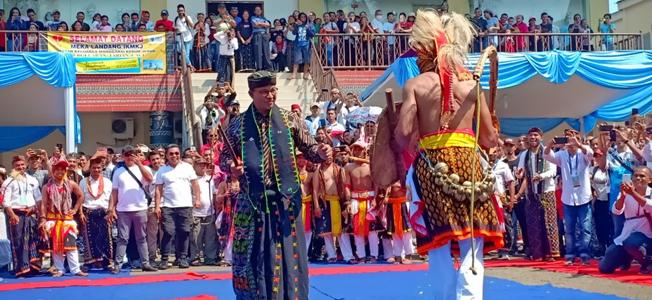 Governot DKI Jakarta - Anis On Manggaraian Cultural Fest