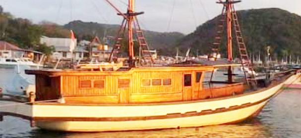 Apik Phinisi Boat for komodo island