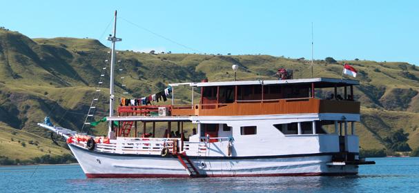 Bintang Laut Phinisi Boat