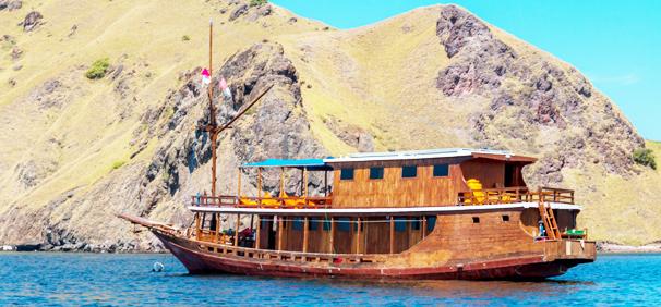 Boat Alcira Komodo