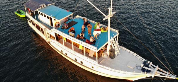 Budi Agung Komodo Boat