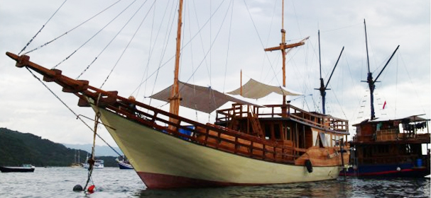 Cajoma 3 Phinisi Boat Charter