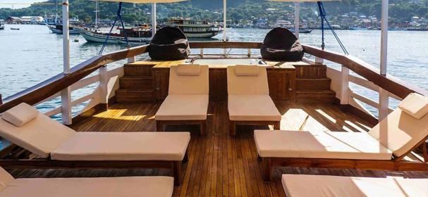 Cajoma IV Cruises Sandeck
