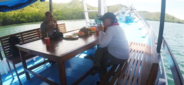 Cajoma Eco Boat Restaurant