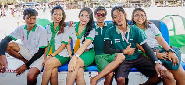 Scoot-Fast-Boat-Crew