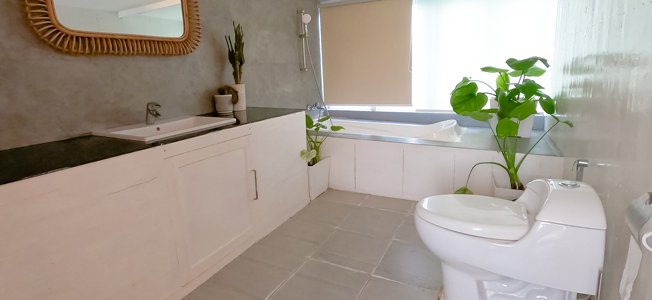 KLM Dua By Larearea Bathroom