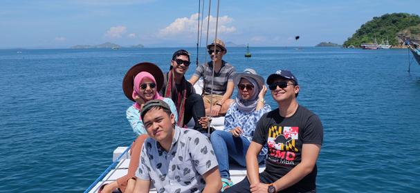 Elang Flores Boat Sailing