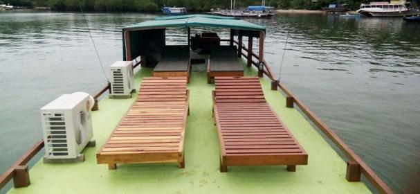 Embong Nai Sandeck Boat
