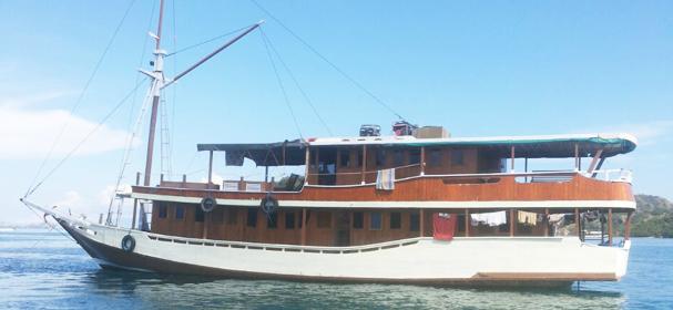 Fadaelo Boat Komodo