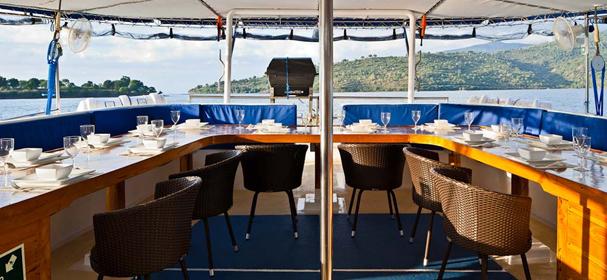 MV Indo Siren Dining Room