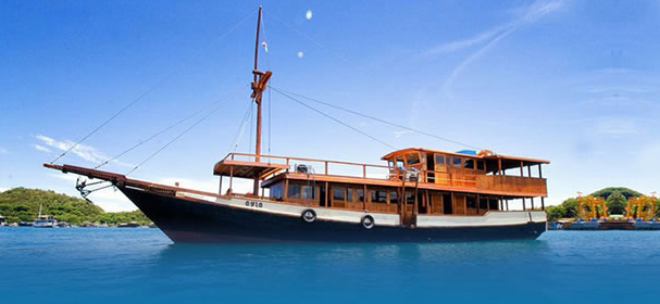 KLM Ayla Komodo Cruises