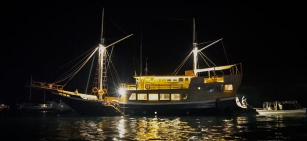 KLM Cordelia Boat