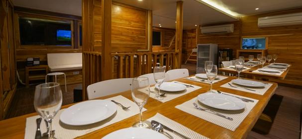 KLM Cordelia Phinisi Restaurant