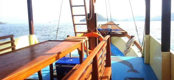 KLM Embong Nai Boat Charter