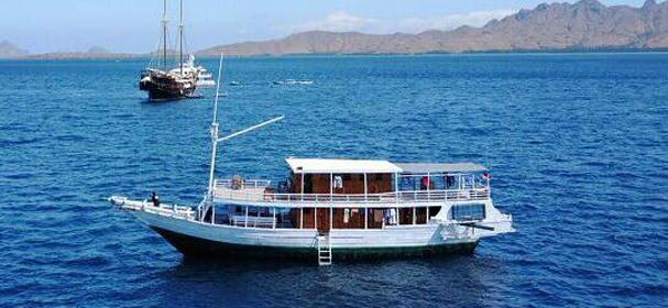 KLM Musti Adil Boat Komodo