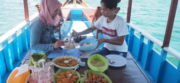 KM Anak Komodo Boat