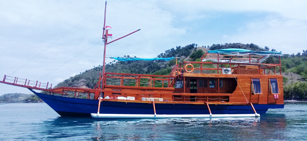 Komodo Adventure Boat