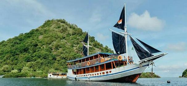 Lambo Rajo Komodo Boat
