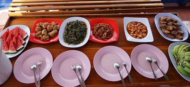 KM Rosalia Meals