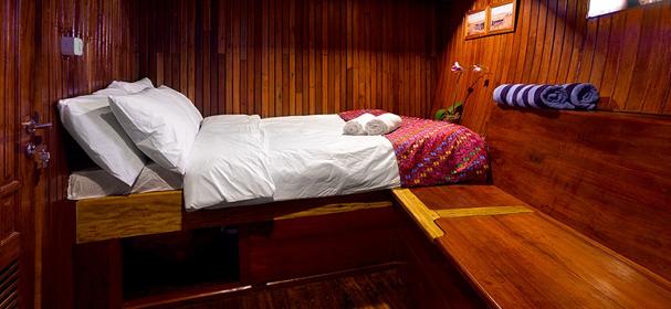 KM Bidadari Komodo Cruise Cabin