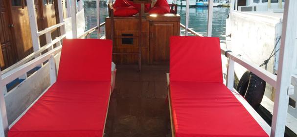 KM Karinia Boat Charter