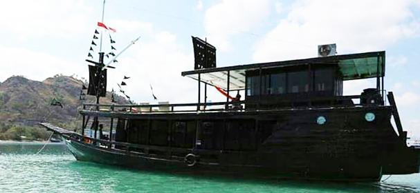Kanha Komodo Boat Charter