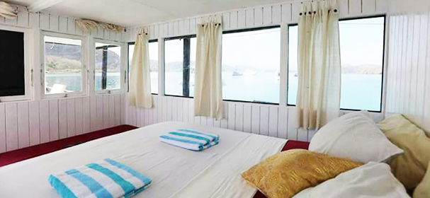 Kanha Komodo Boat Cabin