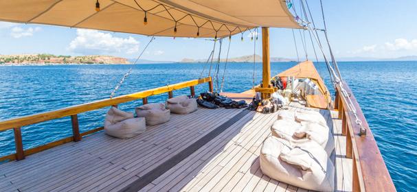Kelana Cruise Sundeck