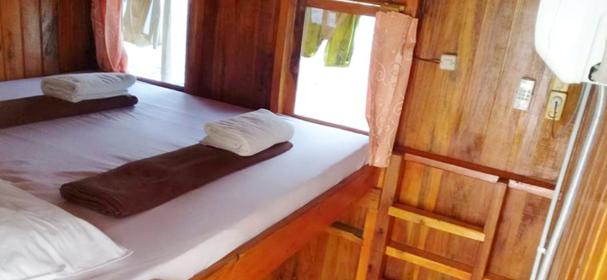 Komodo Jaya Abadi Cabin