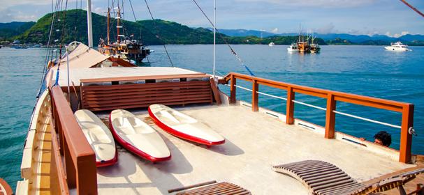 KM Lalunia Boat