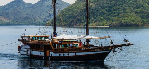 MS Wellenreng Komodo Boat