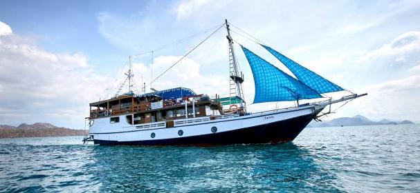 MV Tarata Boat
