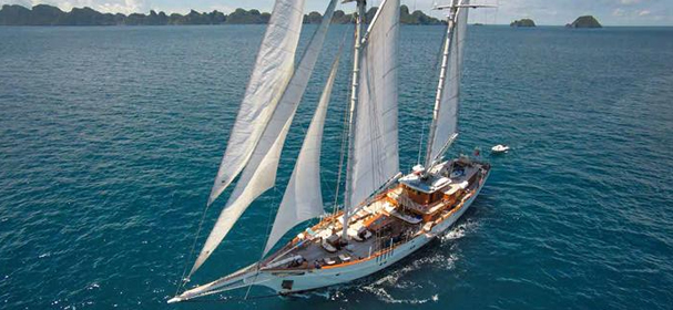 Sailing using Mutiara Luxury phinisi Boat
