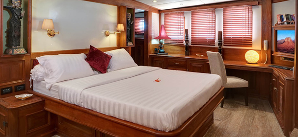 Mutiara Laut Cabin with double bed